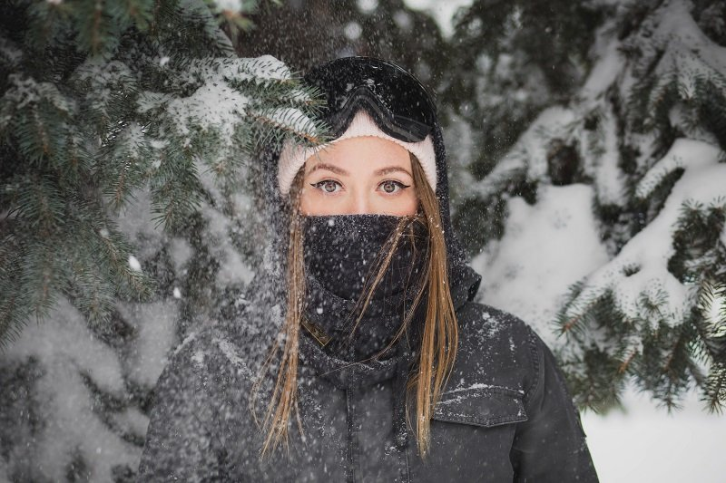 Image of woman in the snow